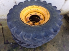 JCB 3cx front wheels