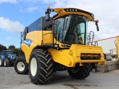 Demo Newholland CX8.70 Combine 22ft head .