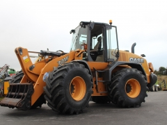 Case 721 loading shovel 2015