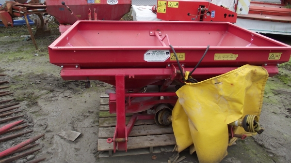 Lely centerliner manure spreader