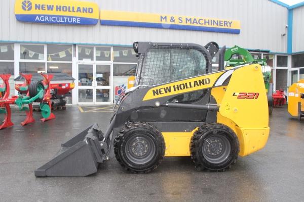 Newholland L221 Skidsteer new .