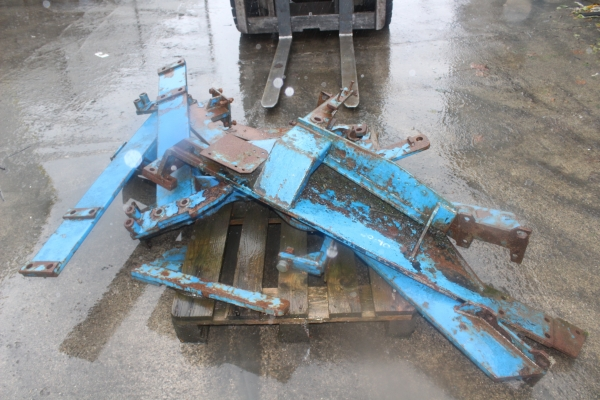 Tanco brackets for a ford 7635 or fiat L95
