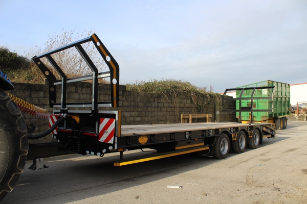 A&W Low Loader 28ft
