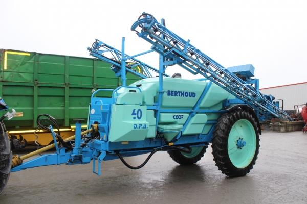 Berthoud 24m Sprayer 4000L year 2011