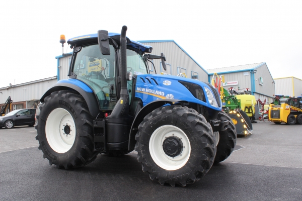 Newholland T6.180 800 hours