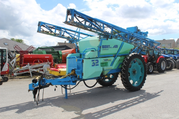 Berthoud 24m Sprayer 3200L